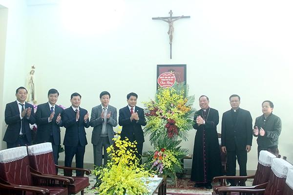 Chủ tịch UBND TP Nguyễn Đức Chung chúc mừng Tân Tổng Giám mục, Tổng Giáo phận Hà Nội