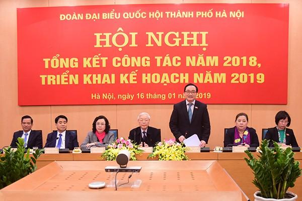 Bí thư Thành ủy Hoàng Trung Hải, Trưởng đoàn Đại biểu Quốc hội TP Hà Nội phát biểu tại hội nghị