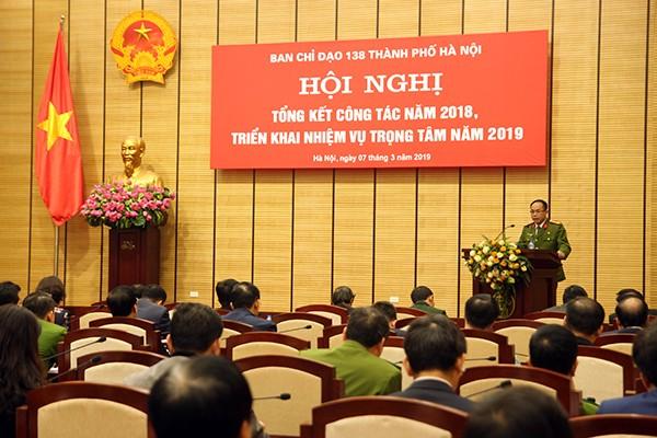 Đại tá Nguyễn Thanh Tùng, Phó Giám đốc CATP Hà Nội phát biểu tại hội nghị