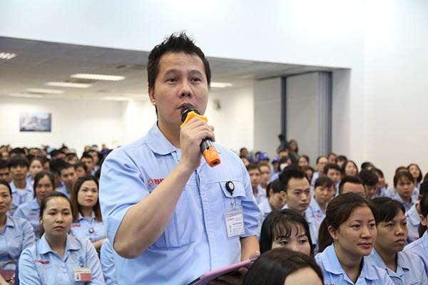 Công nhân kiến nghị tại buổi đối thoại với Chủ tịch UBND TP Hà Nội