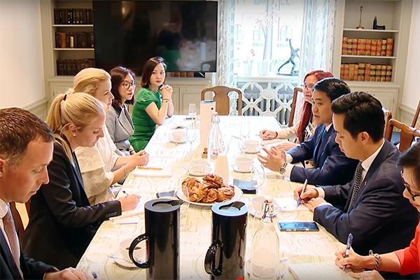 Thị trưởng thành phố Stockholm và Chủ tịch UBND TP Hà Nội trao đổi các vấn đề 2 bên có tiềm năng hợp tác