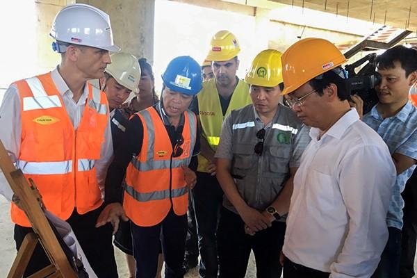 Phó Chủ tịch UBND TP Nguyễn Thế Hùng nghe báo cáo tiến độ dự án đường sắt đô thị tuyến số 3 Nhổn - Ga Hà Nội