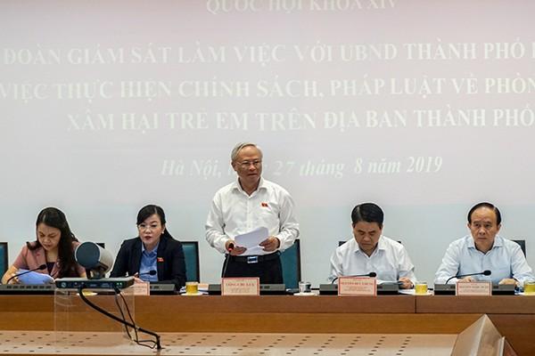 Phó Chủ tịch Quốc hội Uông Chu Lưu, Trưởng Đoàn giám sát phát biểu tại buổi làm việc