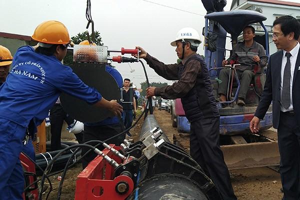 Hà Nội: Nghịch lý nước sạch cấp tận nhà nhưng người dân không dùng! ảnh 2