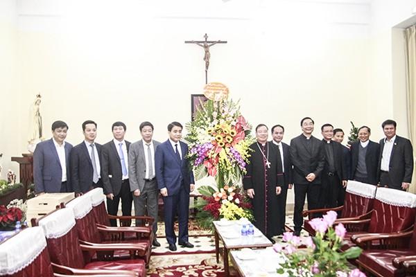 Chủ tịch UBND TP Hà Nội Nguyễn Đức Chung thăm, chúc mừng Giáng sinh Tòa Tổng giám mục Hà Nội.