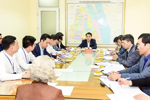 Chủ tịch UBND TP Nguyễn Đức Chung tiếp công dân