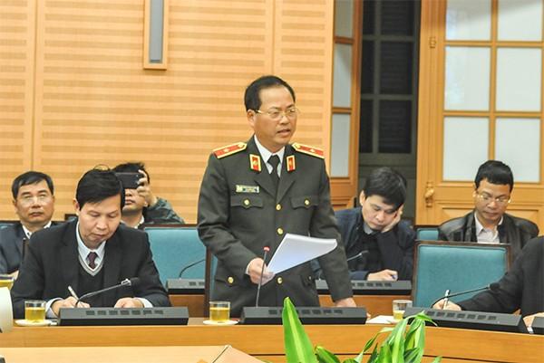 Thiếu tướng Đoàn Ngọc Hùng, Phó Giám đốc CATP Hà Nội phát biểu tại hội nghị