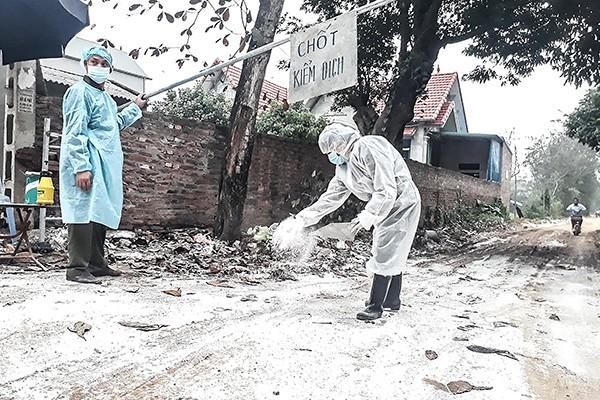 Chốt kiểm dịch phòng cúm gia cầm H5N6 ở thôn Phú Vinh, xã Phú Nghĩa huyện Chương Mỹ