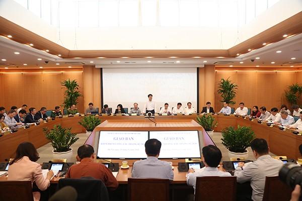 Chủ tịch UBND TP Nguyễn Đức Chung chủ trì phiên họp