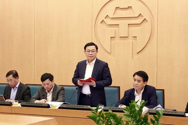 Bí thư Thành ủy Vương Đình Huệ phát biểu chỉ đạo tại cuộc họp