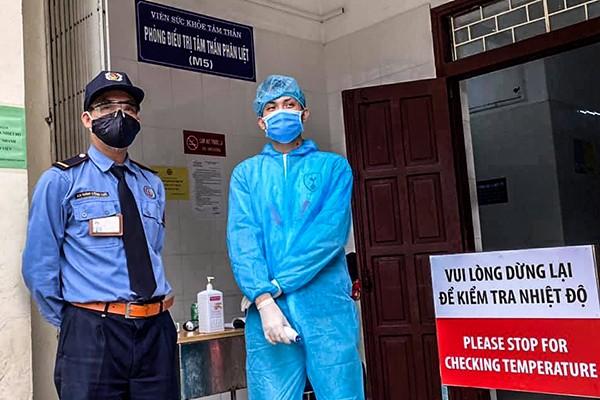 Hà Nội đề xuất thông báo người dân đến Bệnh viện Bạch Mai 14 ngày qua phải tự cách ly để phòng lây nhiễm Covid -19