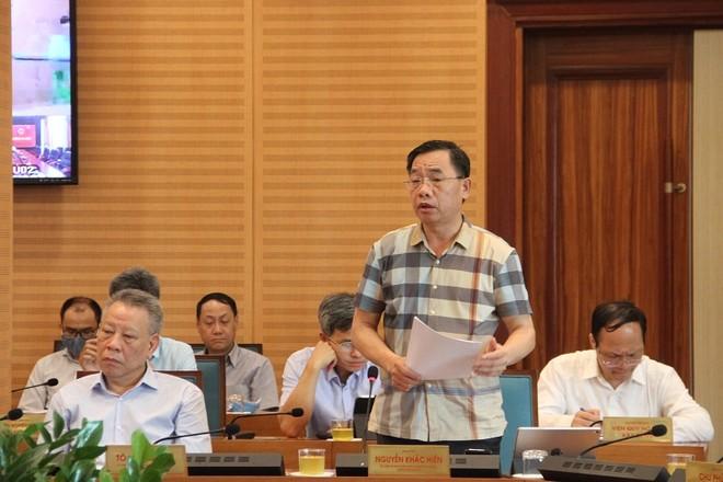 Giám đốc Sở Y tế Nguyễn Khắc Hiền phát biểu tại cuộc họp