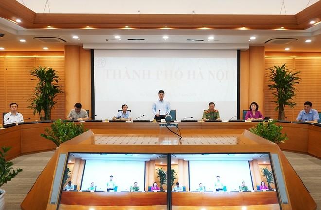 Phó Chủ tịch UBND TP Hà Nội Ngô Văn Quý phát biểu tại đầu cầu Hà Nội