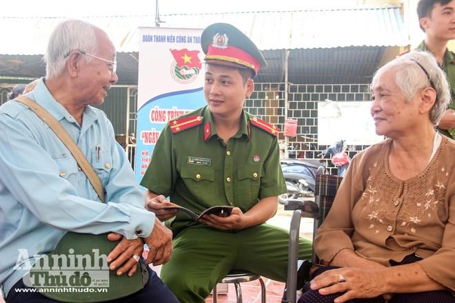 Công an Hà Nội thường xuyên bám sát cơ sở, lắng nghe tâm tư, nguyện vọng của nhân dân