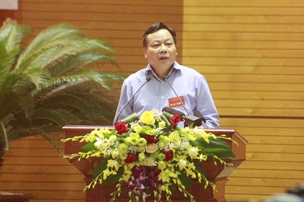 Trưởng Ban Tuyên giáo Thành ủy Nguyễn Văn Phong tham luận tại hội nghị