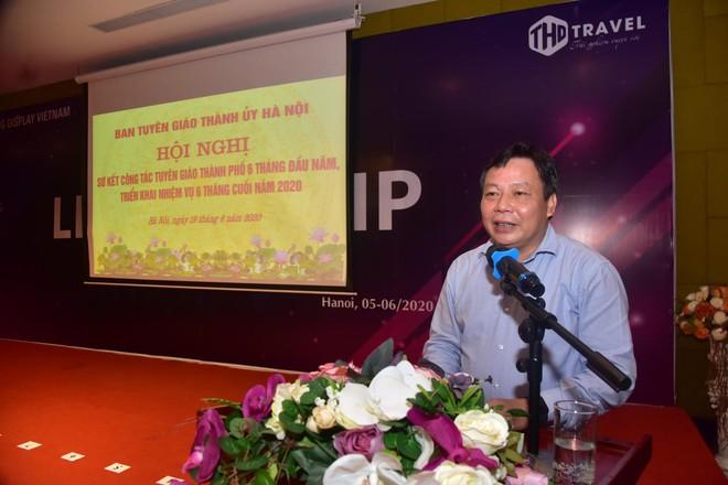Trưởng Ban Tuyên giáo Thành ủy Hà Nội Nguyễn Văn Phong phát biểu tại hội nghị