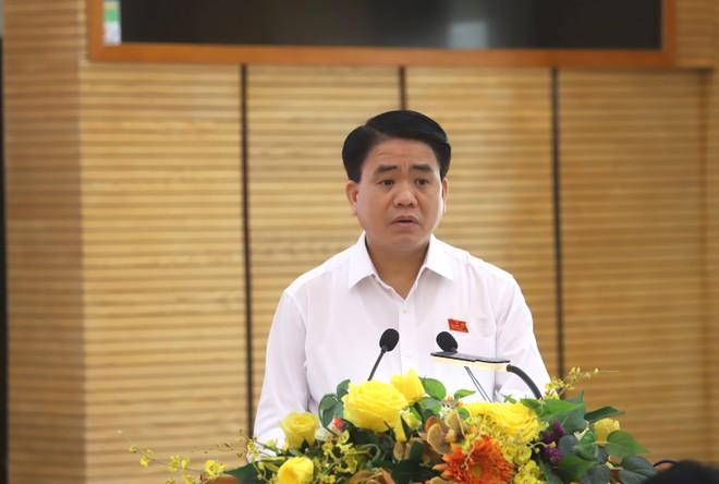 Chủ tịch UBND TP Hà Nội Nguyễn Đức Chung trả lời các vấn đề cử tri quan tâm