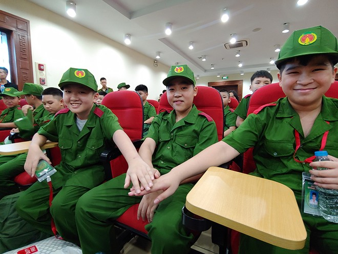 Các học viên háo hức khi được tham gia chương trình