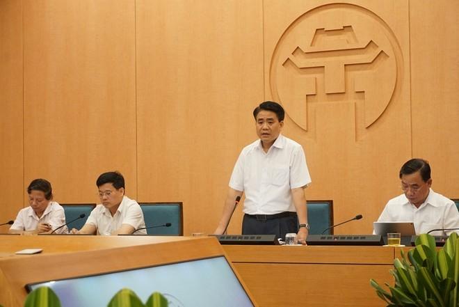 Chủ tịch UBND TP Nguyễn Đức Chung phát biểu chỉ đạo tại cuộc họp