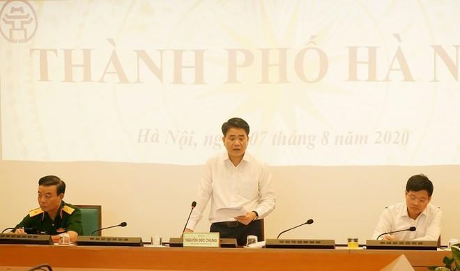 Chủ tịch UBND TP Hà Nội Nguyễn Đức Chung báo cáo tại đầu cầu Hà Nội