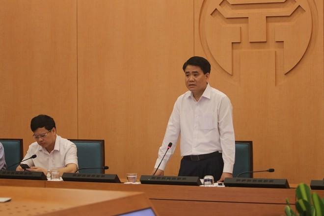 Chủ tịch UBND TP Nguyễn Đức Chung phát biểu chỉ đạo tại phiên họp