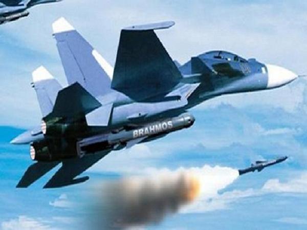 Máy bay chiến đấu Su-30MKI được trang bị những vũ khí hết sức hiện đại