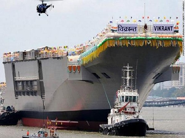 Tàu sân bay quốc nội INS Vikrant trong lễ hạ thủy