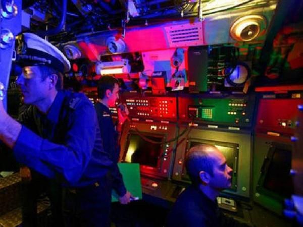 Tàu ngầm U212 có dữ liệu và hệ thống điều khiển hiện đại