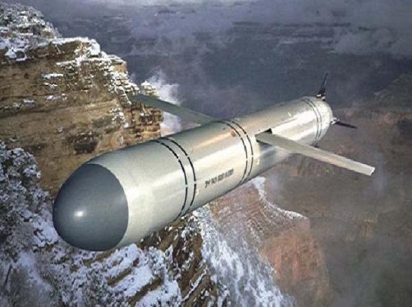 Tên lửa tấn công mặt đất rất uy lực 3M-14E trên tàu ngầm Kilo