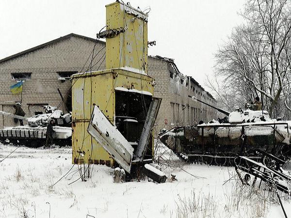 Xe tăng và xe bọc thép Ukraine tham gia chiến dịch quân sự tại miền đông