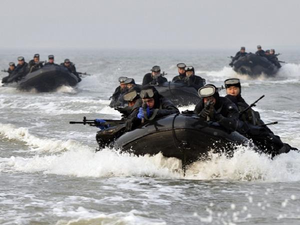 Lính Hàn Quốc diễn tập thâm nhập