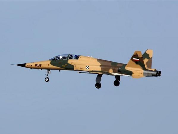 Máy bay chiến đấu Saeqeh-2 của Iran