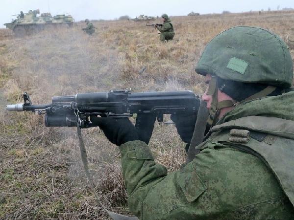 Lính Nga tham gia một cuộc diễn tập quân sự