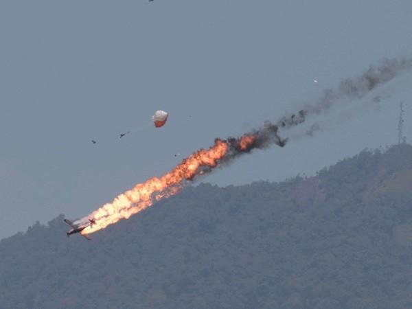 Hai máy bay Indonesia đâm nhau tại triển lãm LIMA ở Malaysia ảnh 5