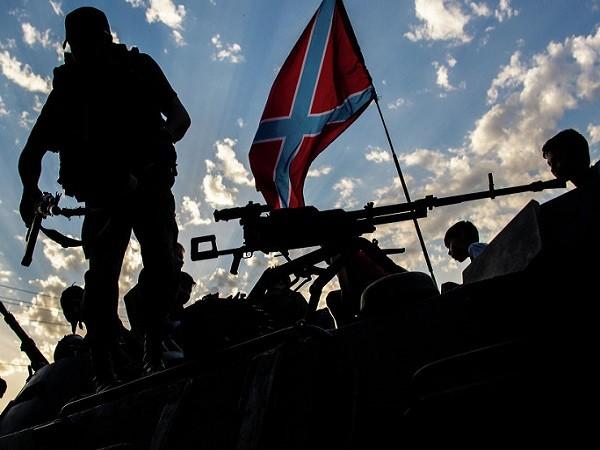 Lực lượng dân quân Donbas chiến đấu tại miền đông Ukraine