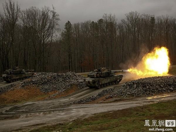 Đạn phá giáp (HEAT), tăng M1-A1 là đối thủ đáng gờm với mọi đối thủ bao gồm xe tăng, trực thăng và cả các boongke. Khi sử dụng để phá giáp, đạn sẽ bay đi với gia tốc lớn cùng sức công phá nóng chảy, từ đó phá hủy được cả thép dày.