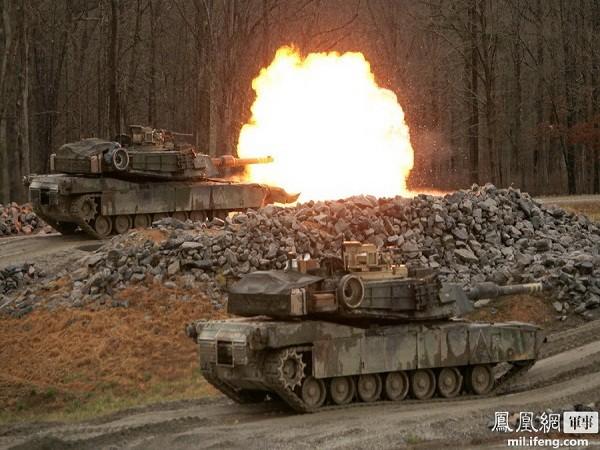 Do thân xe hơi mỏng, nên phương thức chiến đấu mà dòng tăng này thường lựa chọn là ở những vị trí phía sau các sườn dốc, chỉ để lộ tháp pháo để tấn công mục tiêu.