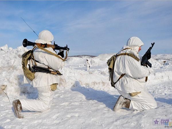 Binh lính Nga tham gia một cuộc diễn tập tại Bắc Cực