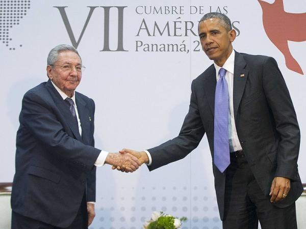 Tổng thống Barack Obama hội đàm với Chủ tịch Cuba Raul Castro tại Panama hôm 11-4