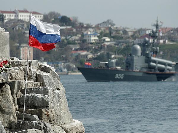 Tàu chiến Nga tại Sevastopol