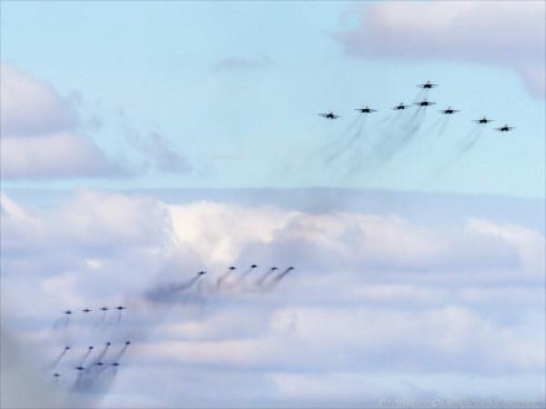Rợp trời máy bay trên tại Quảng trưởng Đỏ của Nga ảnh 9
