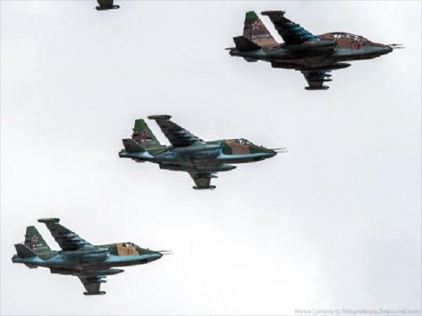 Rợp trời máy bay trên tại Quảng trưởng Đỏ của Nga ảnh 5