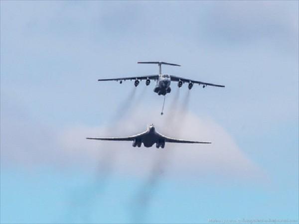 Rợp trời máy bay trên tại Quảng trưởng Đỏ của Nga ảnh 13
