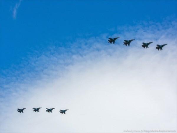 Rợp trời máy bay trên tại Quảng trưởng Đỏ của Nga ảnh 6