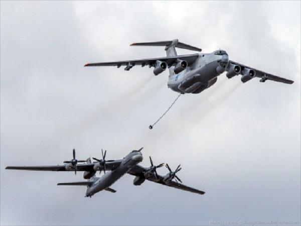 Rợp trời máy bay trên tại Quảng trưởng Đỏ của Nga ảnh 14