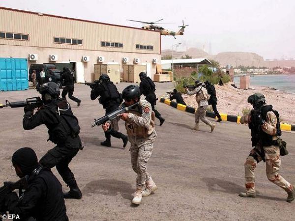 Lính Mỹ đang huấn luyện chiến đấu chống IS tại Iraq và Syria