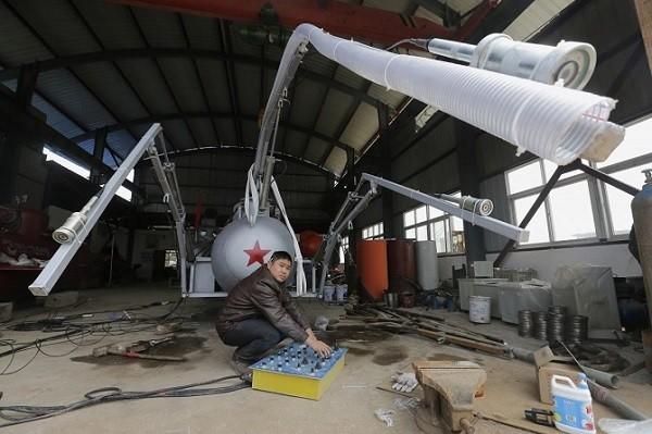 Trực thăng, tàu ngầm, siêu xe phong cách Trung Quốc ảnh 3