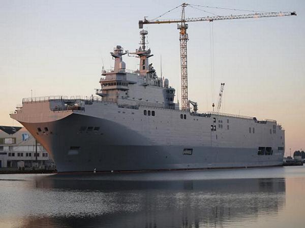 Tàu tấn công đổ bộ lớp Mistral của Pháp