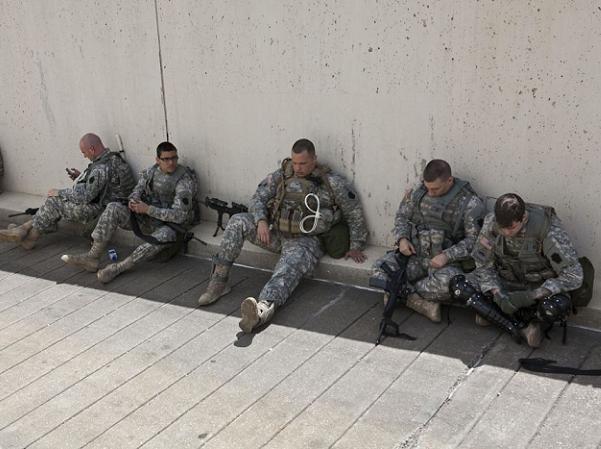 Lực lượng vệ binh quốc gia Mỹ trên đường phố Baltimore