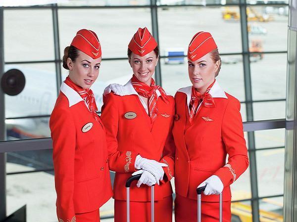 Ngắm đồng phục đẹp nhất thế giới của Hãng hàng không Nga Aeroflot ảnh 2